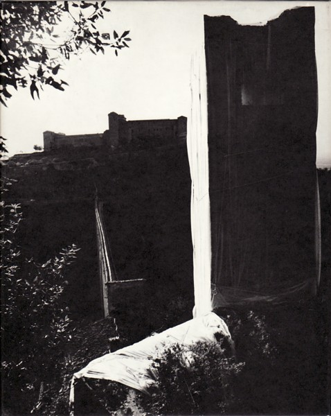 (CHRISTO). JAVACHEFF, CHRISTO - PACKED TOWER, SPOLETO, ITALY 1968, CHRISTO (PROPOSALS & PROJECTS)