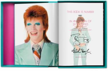(BOWIE, DAVID) (ROCK, MICK). BOWIE, DAVID, MICK ROCK, BARNEY HOSKYNS & MICHAEL BRACEWELL - MICK ROCK: THE RISE OF DAVID BOWIE, 1972-1973 - DELUXE ART EDITION NUMBERED AND SIGNED BY DAVID BOWIE AND MICK ROCK
